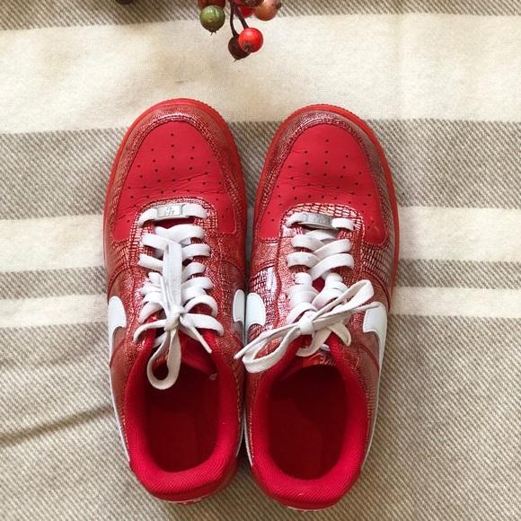 Nike Air Force 1 low top red sneaker
